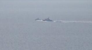 Türk ve Yunan savaş gemileri burun buruna... Ege'de sıcak saatler