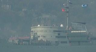 Rus savaş gemisi İstanbul Boğazı´ndan geçti
