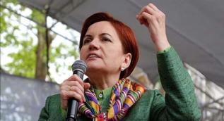 TRT World sunucusu Meral Akşener´i Fransız ırkçı politikacı Marina Le Pen´e benzetti