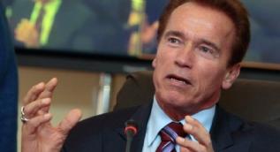 Schwarzenegger yine Trump'a takıldı