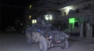 Kahraman Mehmetçik Afrin'de gece devriyesinde