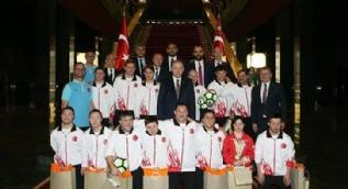 Cumhurbaşkanı Erdoğan, Down Sendromlu Özel Sporcular Futsal Milli Takımını kabul etti