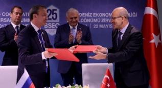 Türkiye ve Rusya ticari engelleri ortadan kaldırmak için bildiri imzaladı