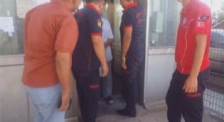 Asansörde mahsur kalan yaşlı adamı itfaiye ekipleri kurtardı