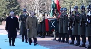 Başbakan Yıldırım, Pakistan Başbakanı Navaz Şerif'i resmi törenle karşıladı