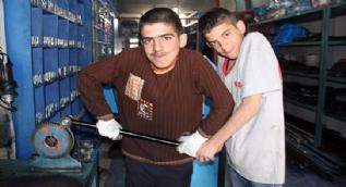 23 Nisan'ın karanlık yüzü: Çalışan çocuklar