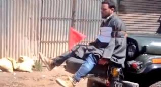 Hindistan'da Müslüman gencin canlı kalkan yapılması soruşturulacak