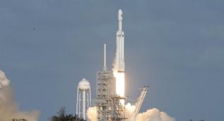 SpaceX, 7 yeni uydu fırlattı