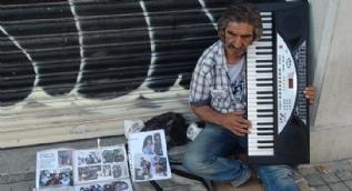 Yeşilçam'ın 38 yıllık figuranının Beyoğlu sokaklarında yaşam mücadelesi