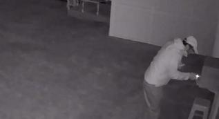 Camiden çaldığı parayla otelde kalan kişi yakalandı