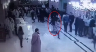 Düğündeki katliamın görüntüleri ortaya çıktı. Küçük çocuk çatışmanın ortasında böyle kalmış