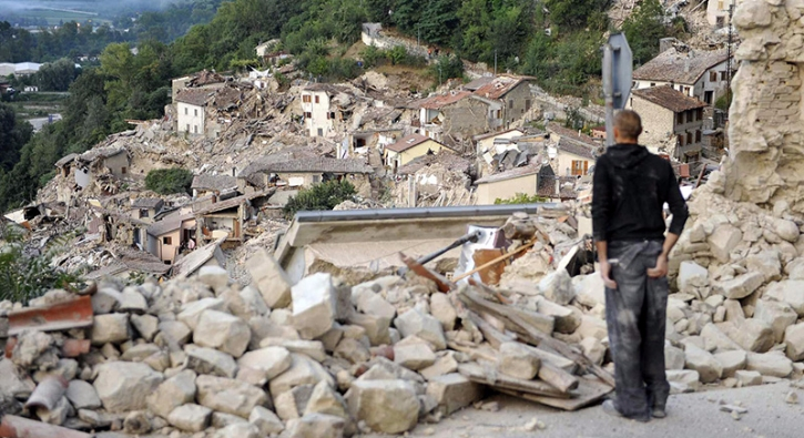 �talya'da �iddetli deprem