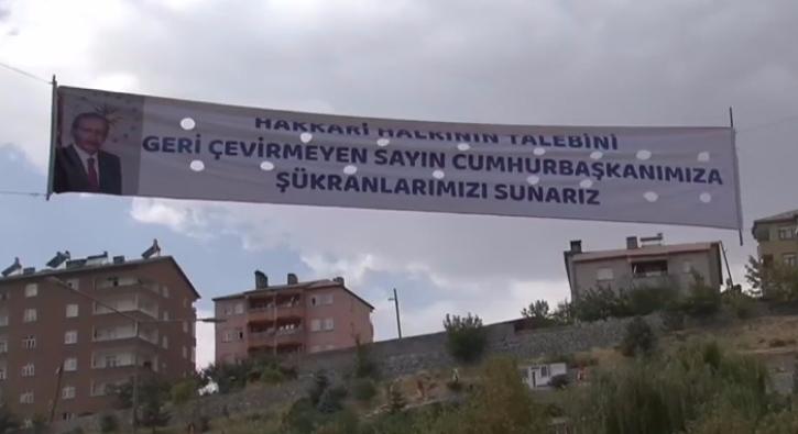 Hakkari�den Cumhurba�kan� Erdo�an'a pankartl� te�ekk�r