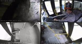 Halk otobüsü ile TIR'ın çarpıştığı kaza anı kamerada