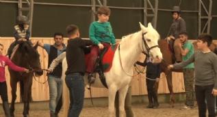 Atla terapinin engelliler üzerindeki mucizevi iyileştirici gücü