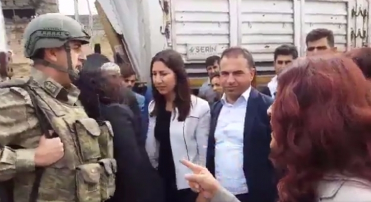 HDP'li vekillerden askerlere kar�� �irkin tav�r