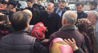 Cumhurbaşkanı Erdoğan'a köşk girişinde yaş günü sürprizi