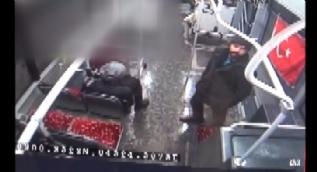 Türk bayrağına çirkin saldırının görüntüleri ortaya çıktı