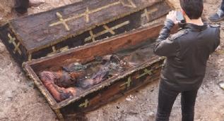 İnşaat kazısında Rus komutana ait mezar çıktı, çalışmalar durduruldu