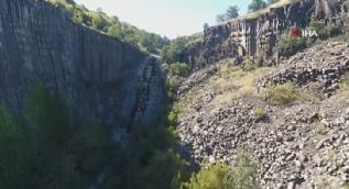 5 milyon yıllık! Türkiye'deki tek tescilli kayalık havadan görüntülendi