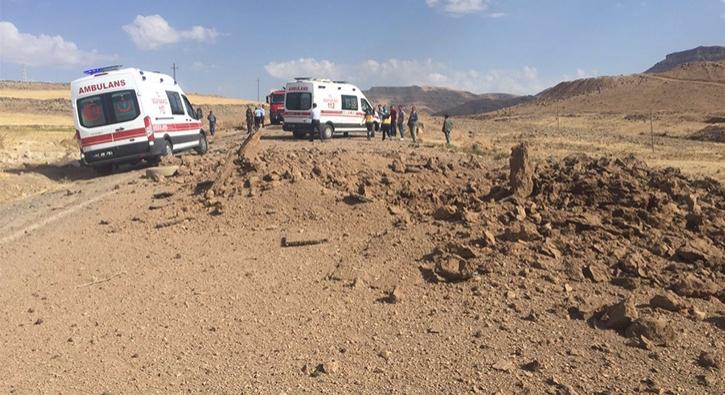 Mardin Derik'te yola d��enen patlay�c� infilak ettirildi