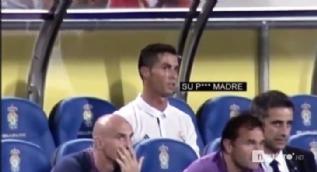 Ronaldo, kendisini oyundan alan Zidane'a k�f�r etti