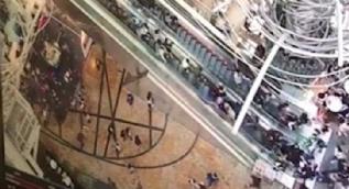 Hong Kong'da yürüyen merdiven dehşeti