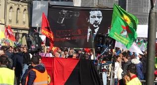 İsviçre'den Cumhurbaşkanı Erdoğan'ı hedef gösteren pankarta kınama
