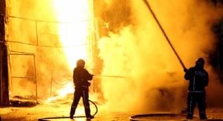 Bağcılar'da doğalgaz patlaması gece yarısı vatandaşlara büyük panik yaşattı