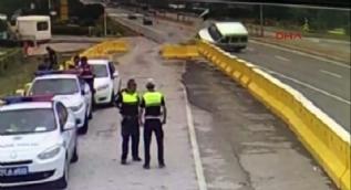 Polis uygulama noktasında kaza