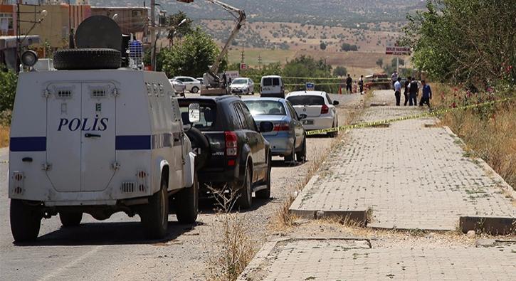 Dicle'de polise bombal� sald�r�: 1 �ehit, 7 yaral�