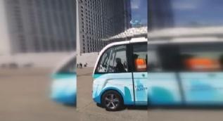 Paris'te sürücüsüz minibüs devri