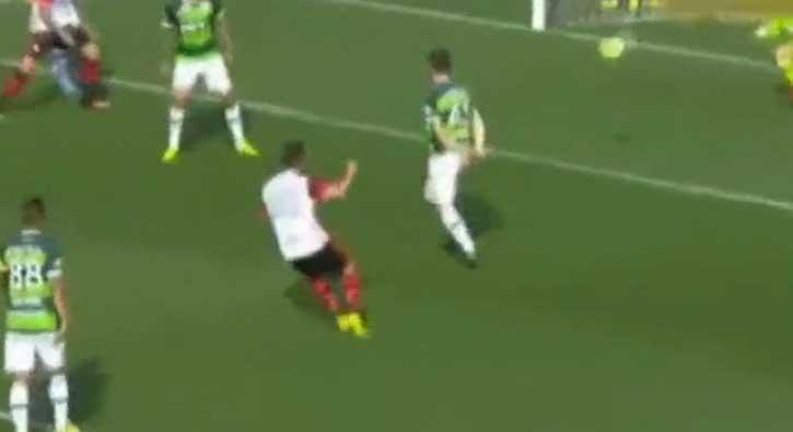 Diego yeniden do�du! Gollerini atmaya devam ediyor