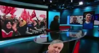 Kavakçı, terör ağzıyla soru soran CNN spikerine haddini bildirdi