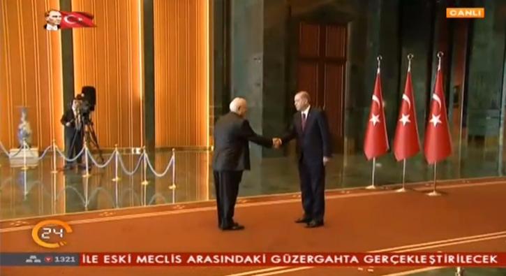 Cumhurba�kan� Erdo�an, Be�tepe'de tebrikleri kabul etti