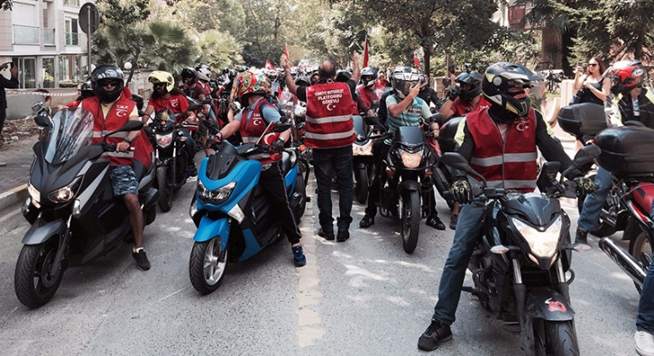Bin 400 motosikletle 30 A�ustos Zafer Bayram� korteji