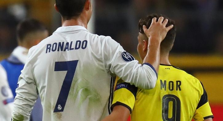 Emre Mor Ronaldo'yla ne konu�tuklar�n� anlatt�
